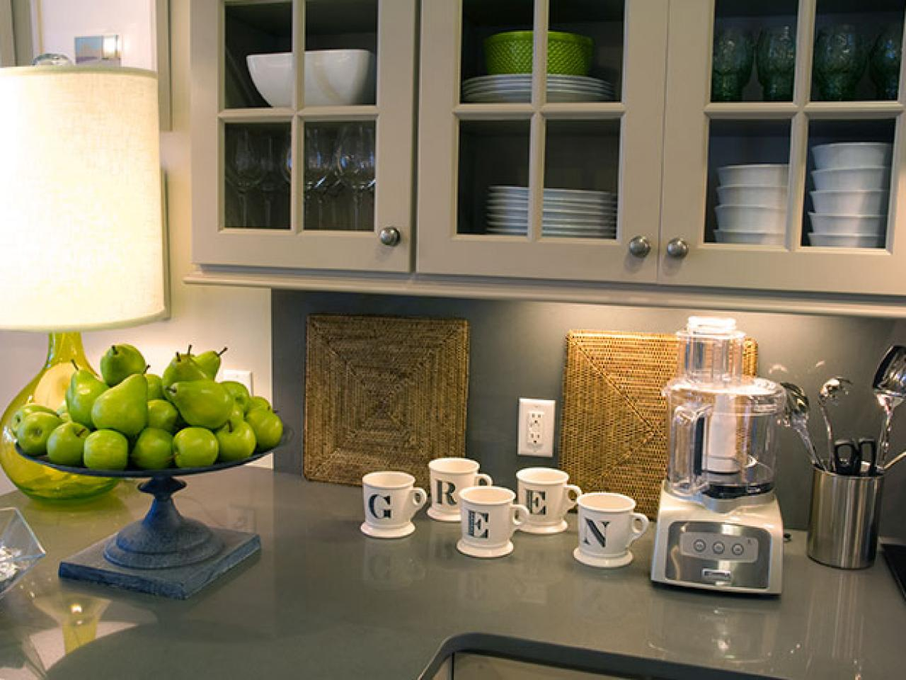 Eco friendly decorating ideas hgtv for Kitchen counter decor