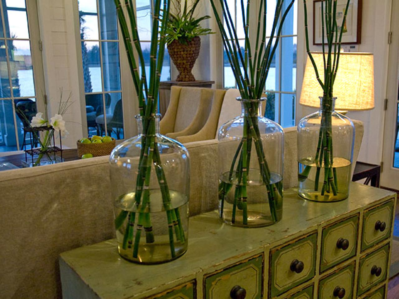A natural wall accessorize large vases with bamboo to for Bamboo home decorations