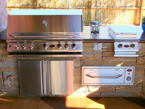 Outdoor Kitchen With Grilling Station