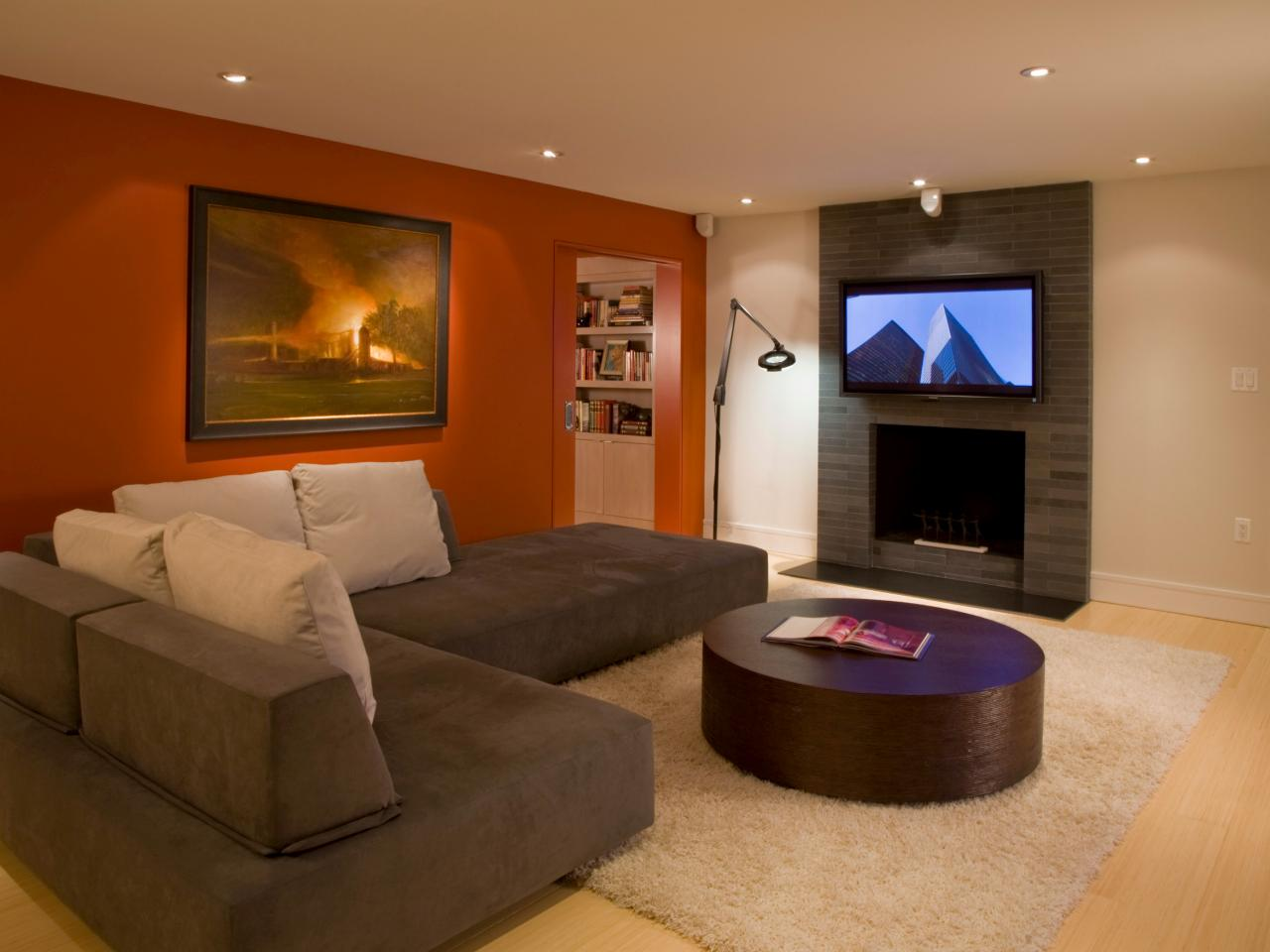Photo page hgtv What is the best color for living room walls