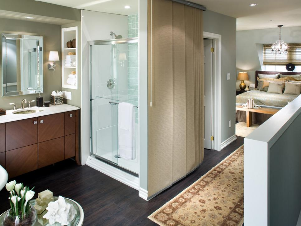 5 stunning bathrooms by candice olson hgtv for Bathroom designs hgtv