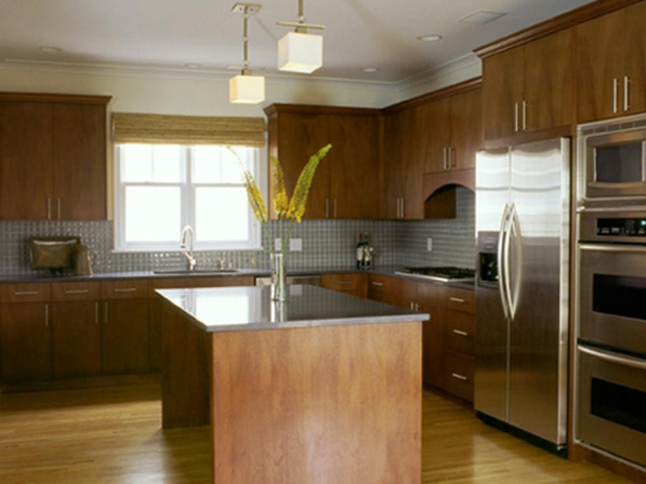 Style guide for a contemporary kitchen hgtv for Best contemporary kitchen cabinets