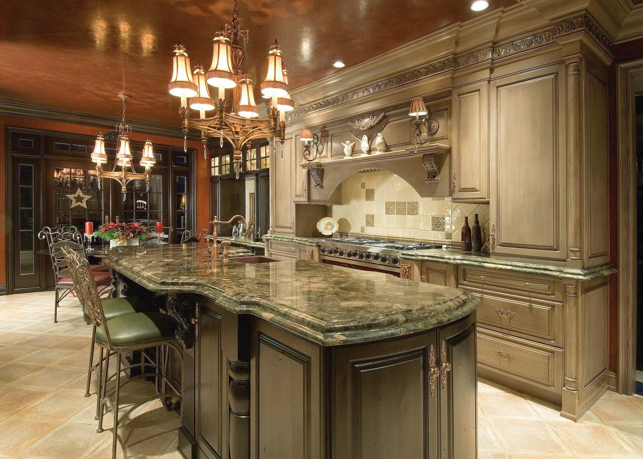 Guide to creating a traditional kitchen hgtv for Kitchen design gallery photos