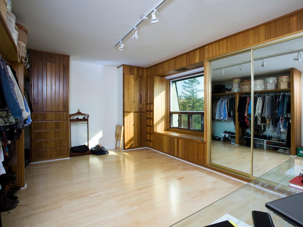 turning a bedroom into a closet. Converting a Walk In Closet Into Divine Art Studio  HGTV