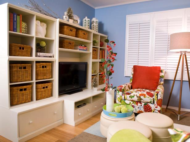 Your guide to lifelong organization hgtv for Organize living room ideas