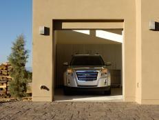10 ideas for garage doors hgtv for 10 x 11 garage door