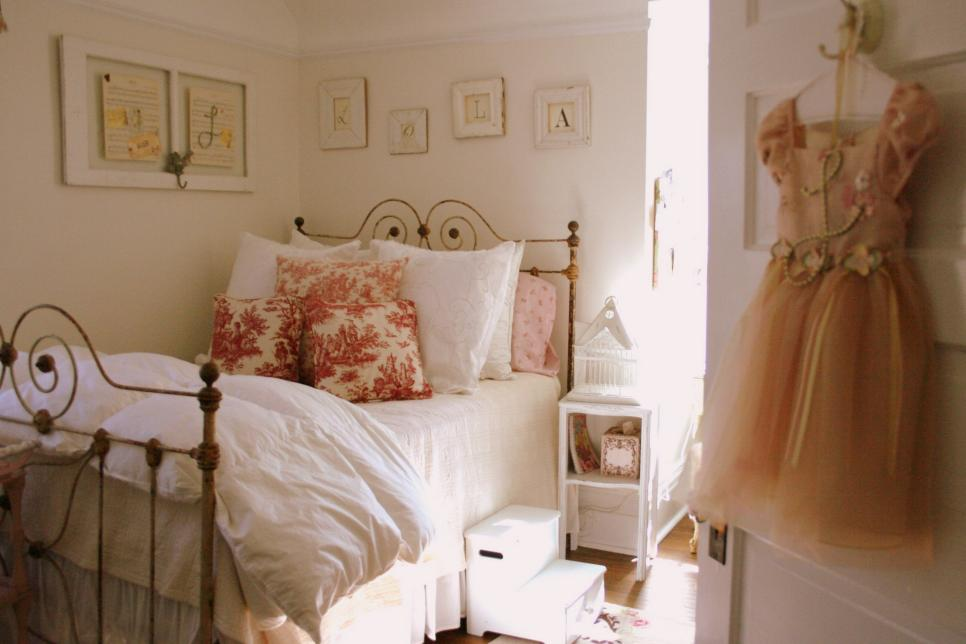 Shabby Chic Childrenu0027s Rooms 6 Photos