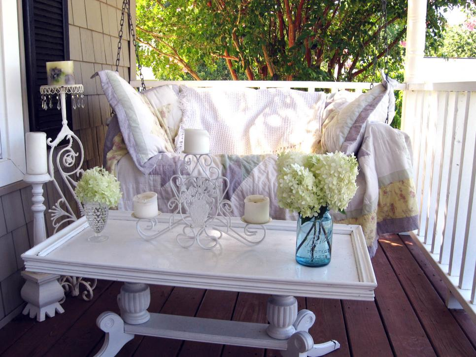 10 outdoor candle ideas hgtv for Patio table centerpiece ideas