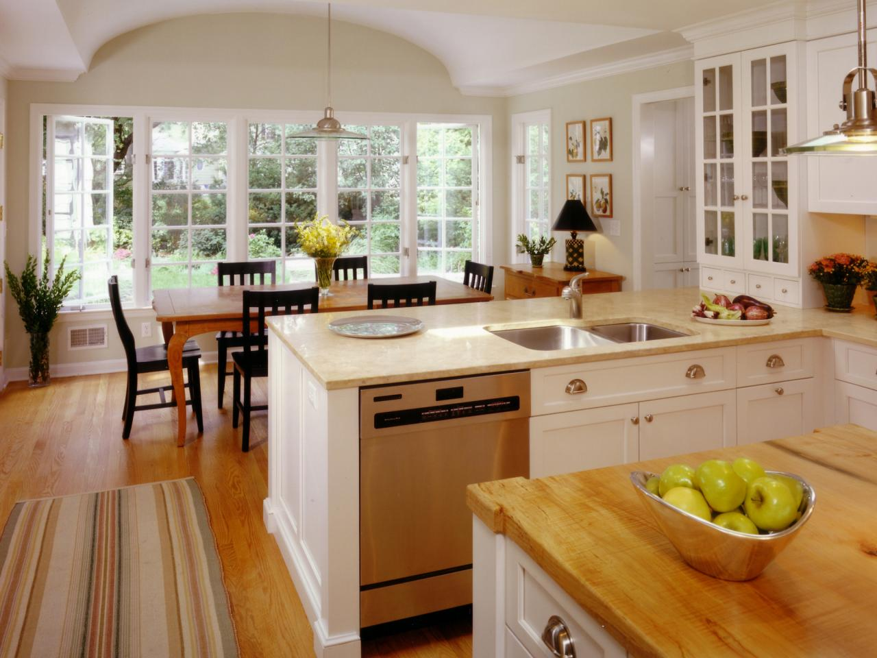 White kitchen designs hgtv pictures ideas inspiration for Kitchen inspiration ideas