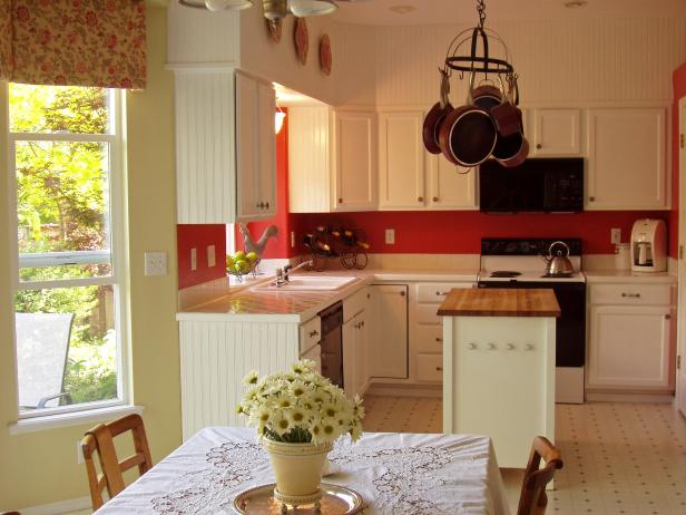 Cottage kitchen with white cabinets