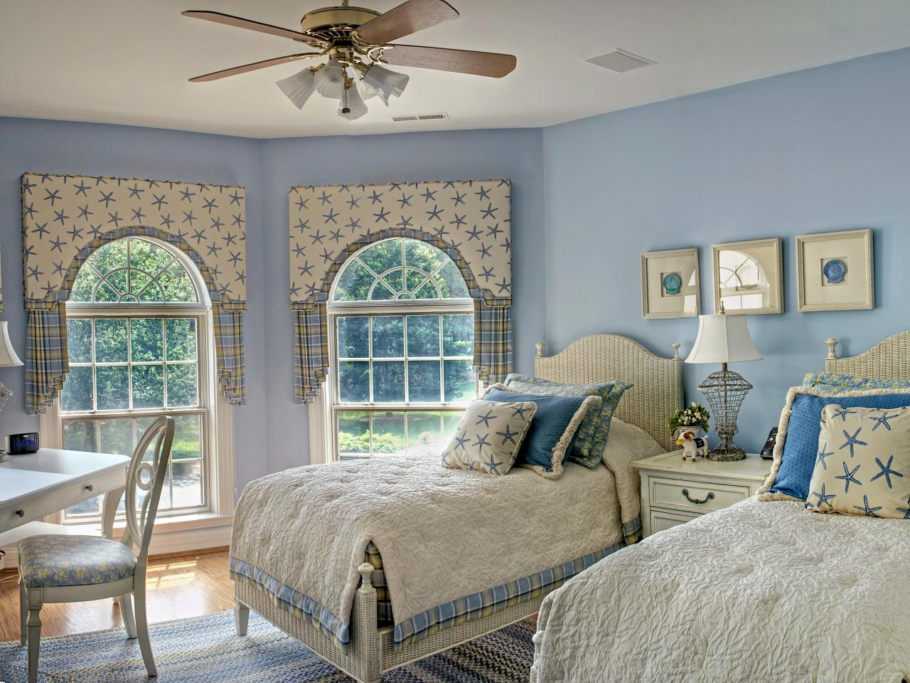 Coastal inspired bedrooms bedrooms bedroom decorating for Beach coastal decorating ideas