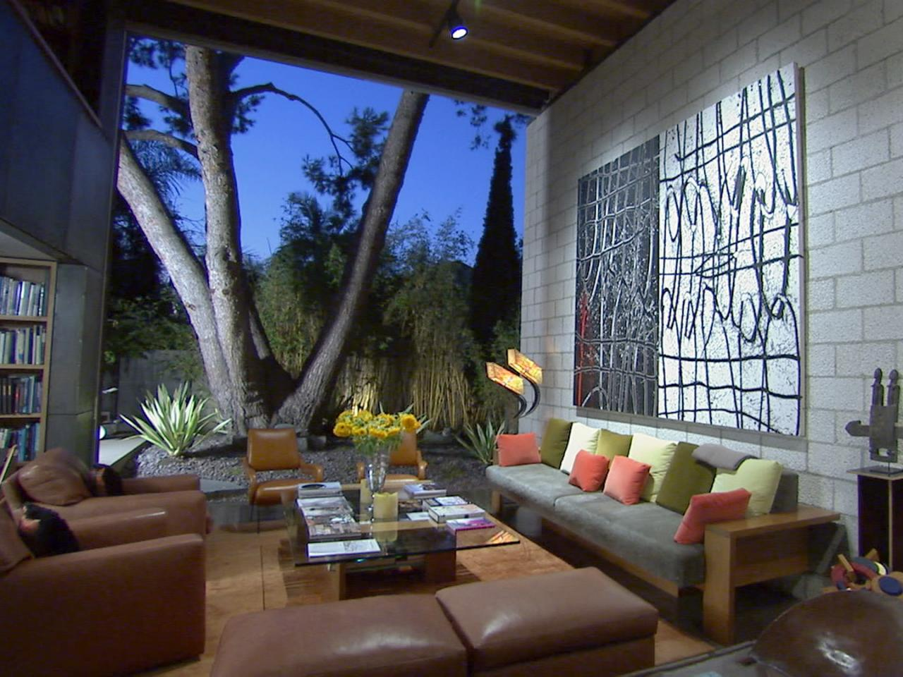 Hgtv 39 s top 10 outdoor rooms hgtv for 10 by 10 living room