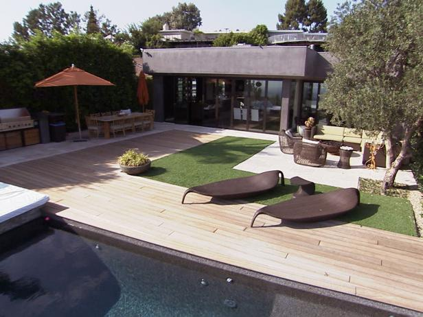HHTTN102_Poolside-outdoor-living_s4x3