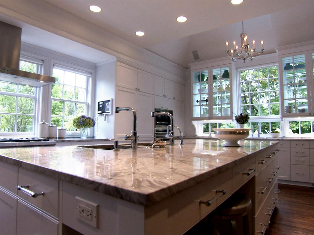 Peninsula kitchen design pictures ideas tips from hgtv for Hgtv kitchens