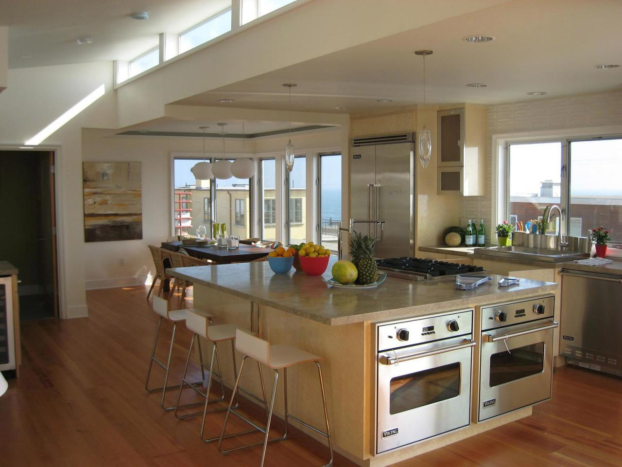 Tips to declutter and organize before a kitchen remodel hgtv for Kitchen renovation