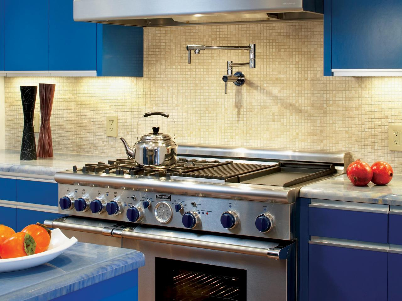 Best colors to paint a kitchen pictures ideas from hgtv Blue kitchen paint color ideas
