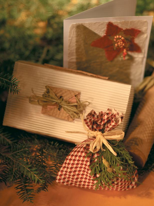 0435_GIFT-WRAP-COVER_s3x4