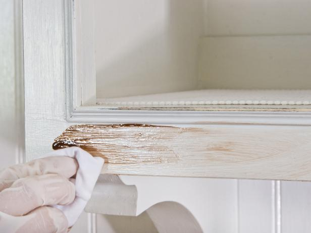 Antiquing Kitchen Cabinets: Applying the Glaze