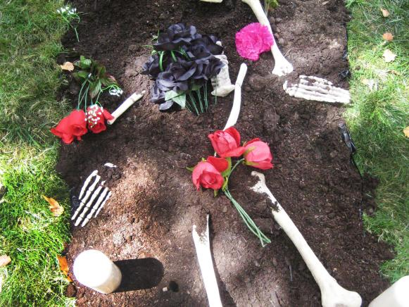 HHBP2S10_Bf2-Halloween-decoration-grave-07_s3x4