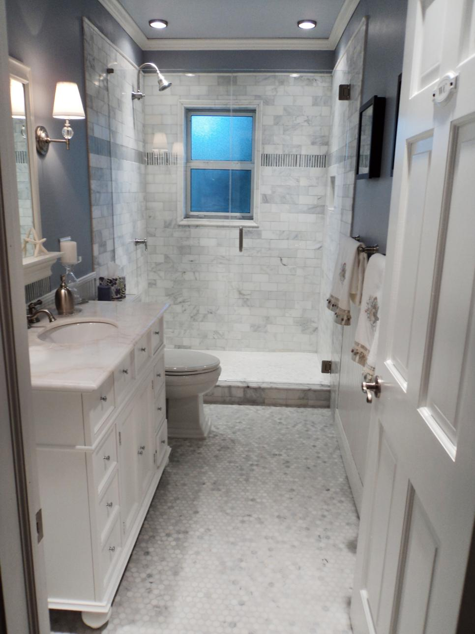 Stylish bathroom updates hgtv - Pictures of small bathrooms ...
