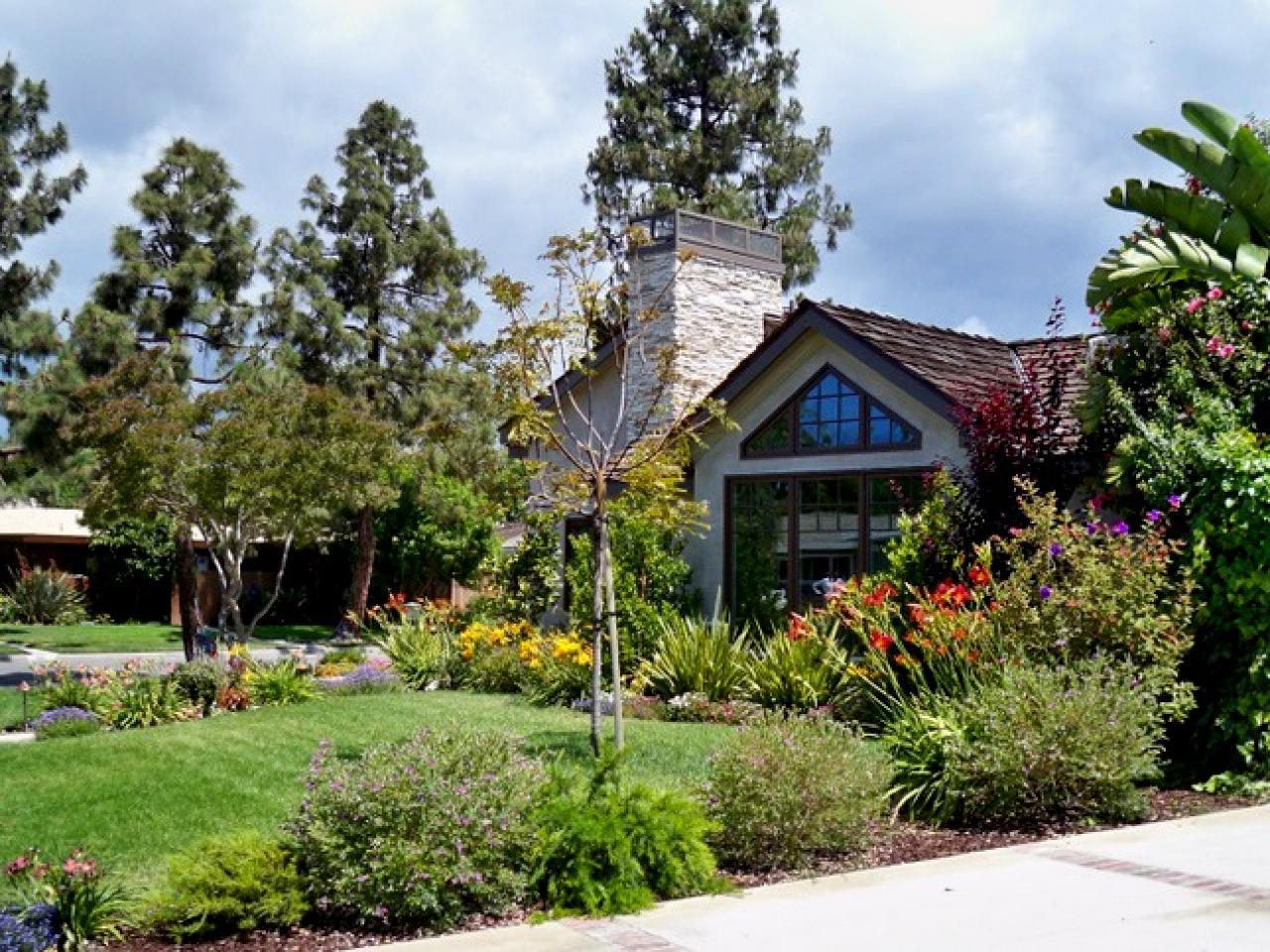 Landscaping Ideas For Front Yard Images : Fabulous front yards landscaping ideas and hardscape