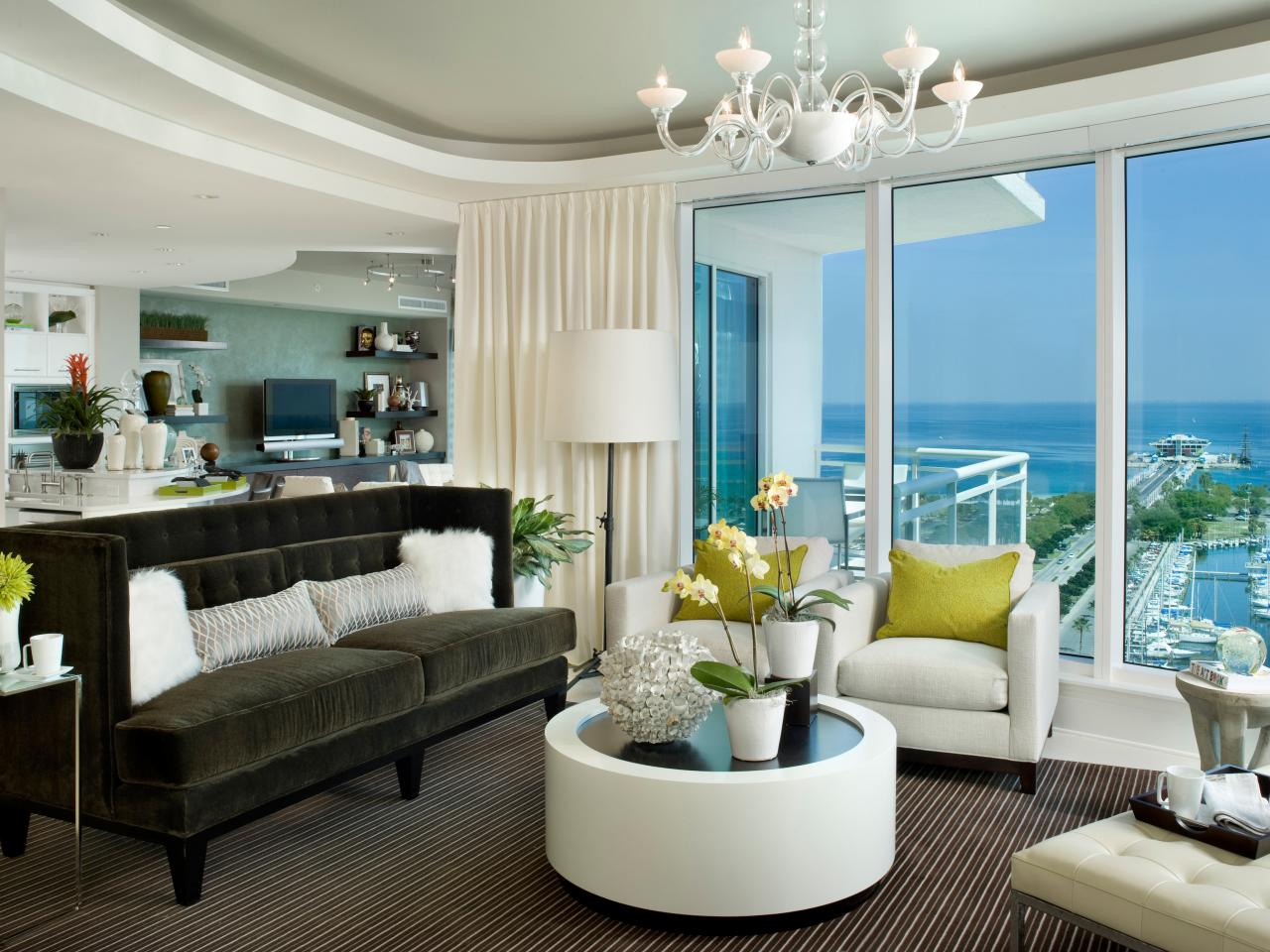 Modern living room with tray ceiling and ocean views hgtv for Grand salon moderne