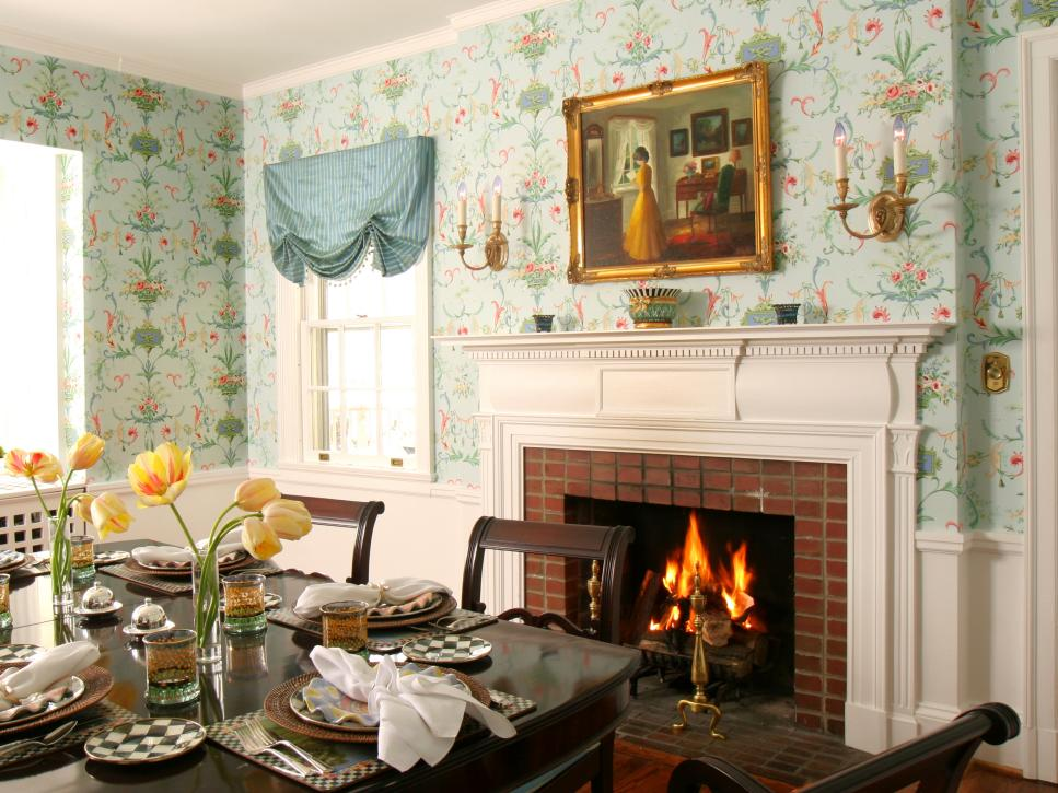 Traditional Thanksgiving Decorating Ideas HGTV - Dining room decorating ideas wallpaper