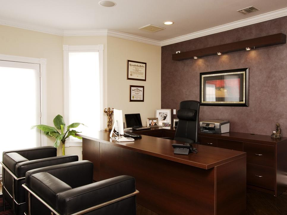 Home office design styles hgtv for Office room interior design photos