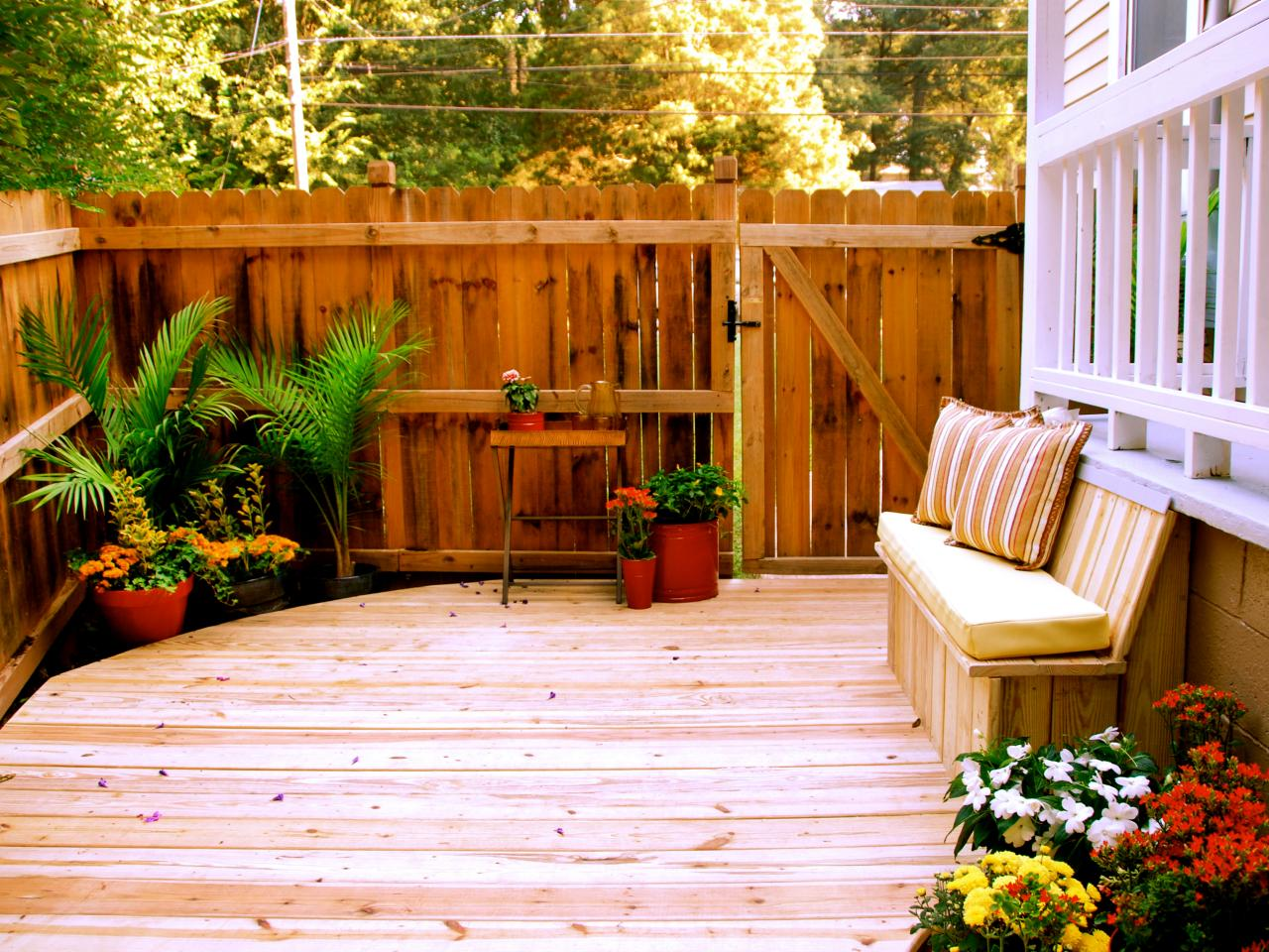 Small Deck Design Ideas | DIY