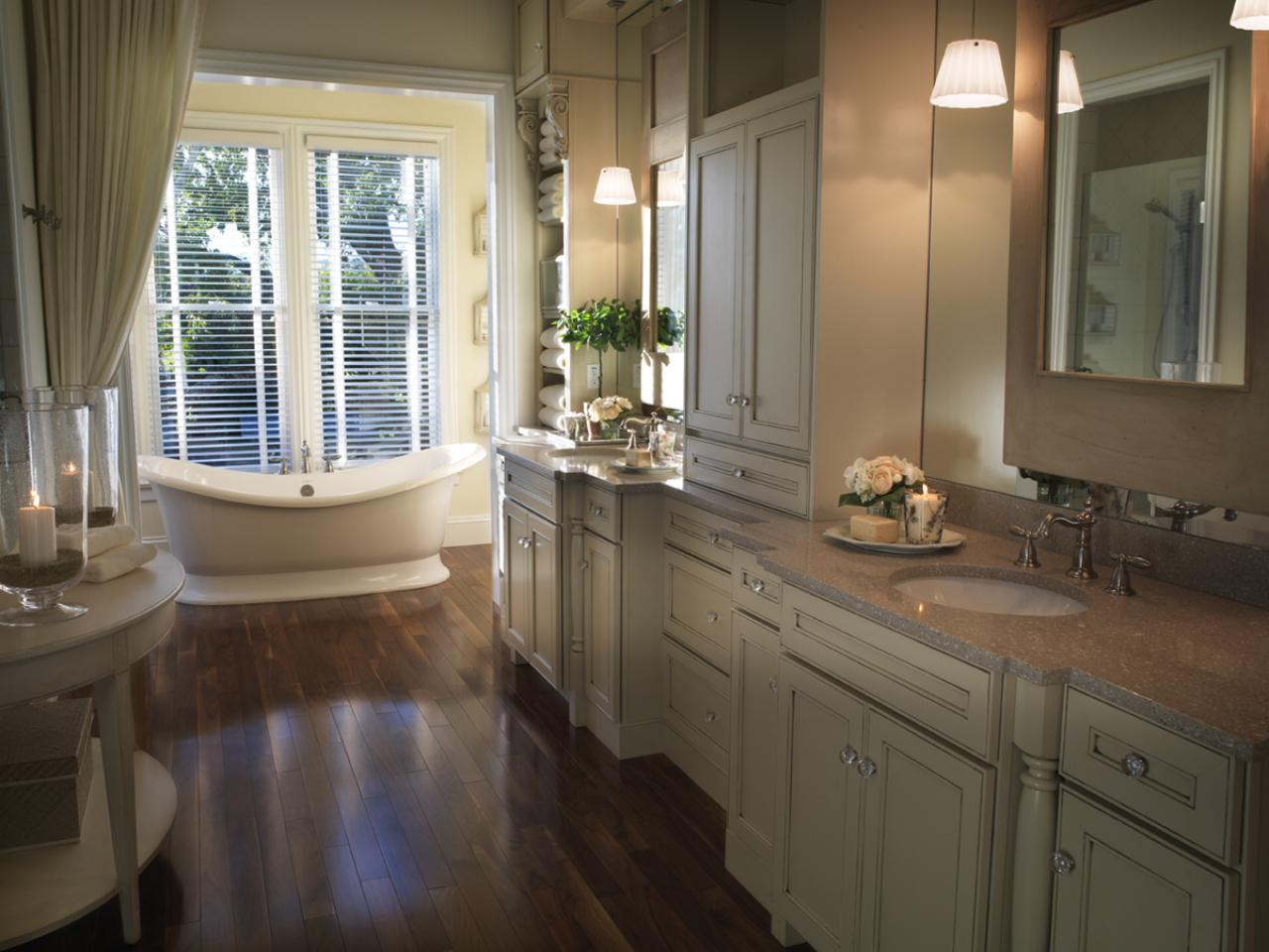 Bathroom style guide hgtv for Hgtv small bathroom design ideas