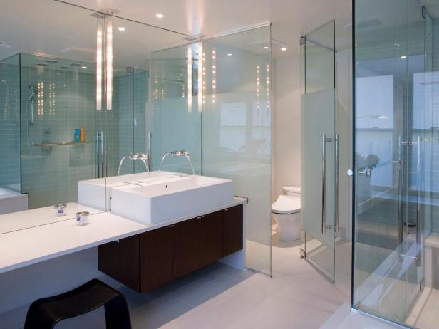 Modern Bathroom With Glass Walls