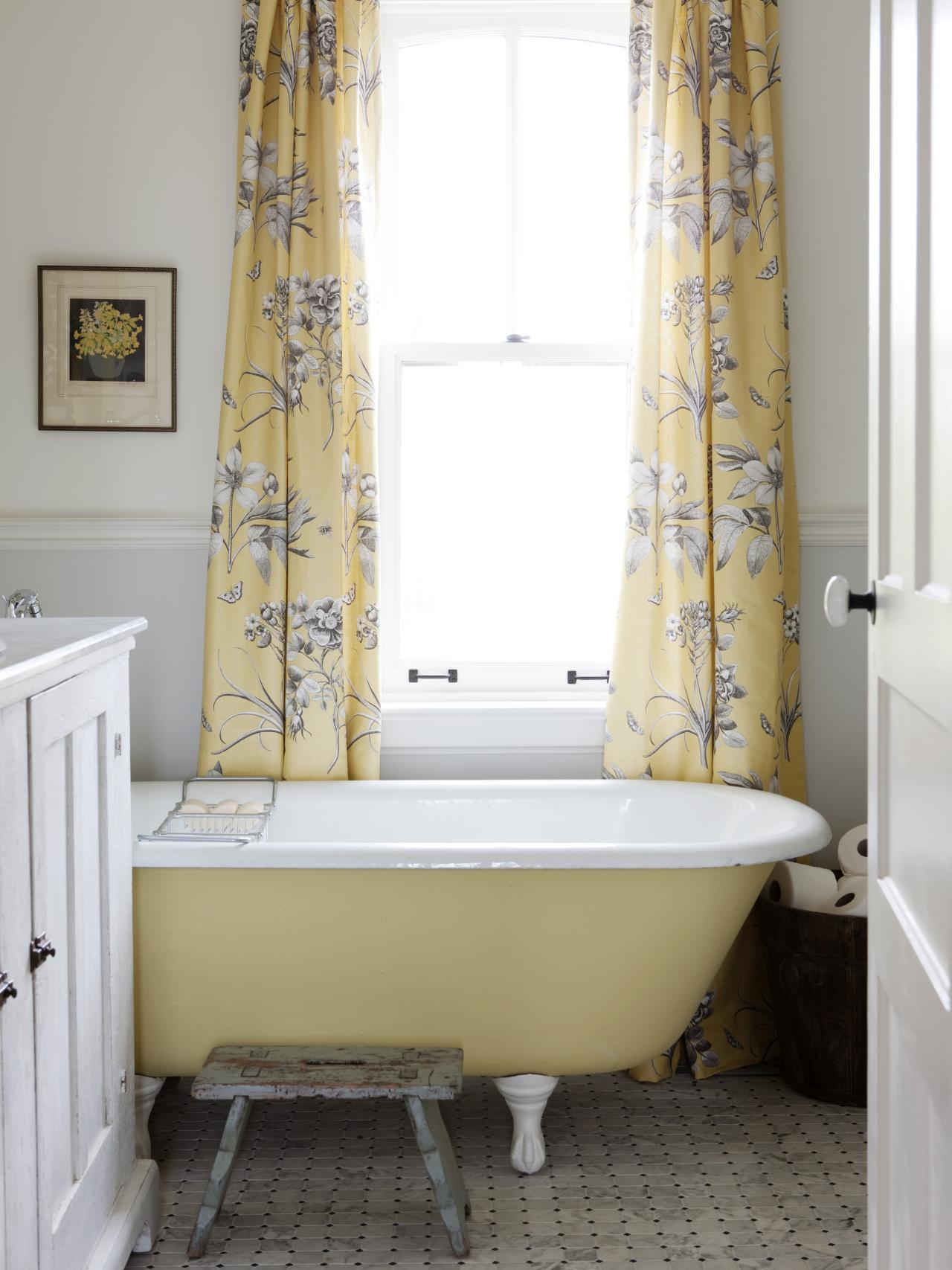 8 bathroom makeovers from fave hgtv designers bathroom for Bathroom ideas yellow tile