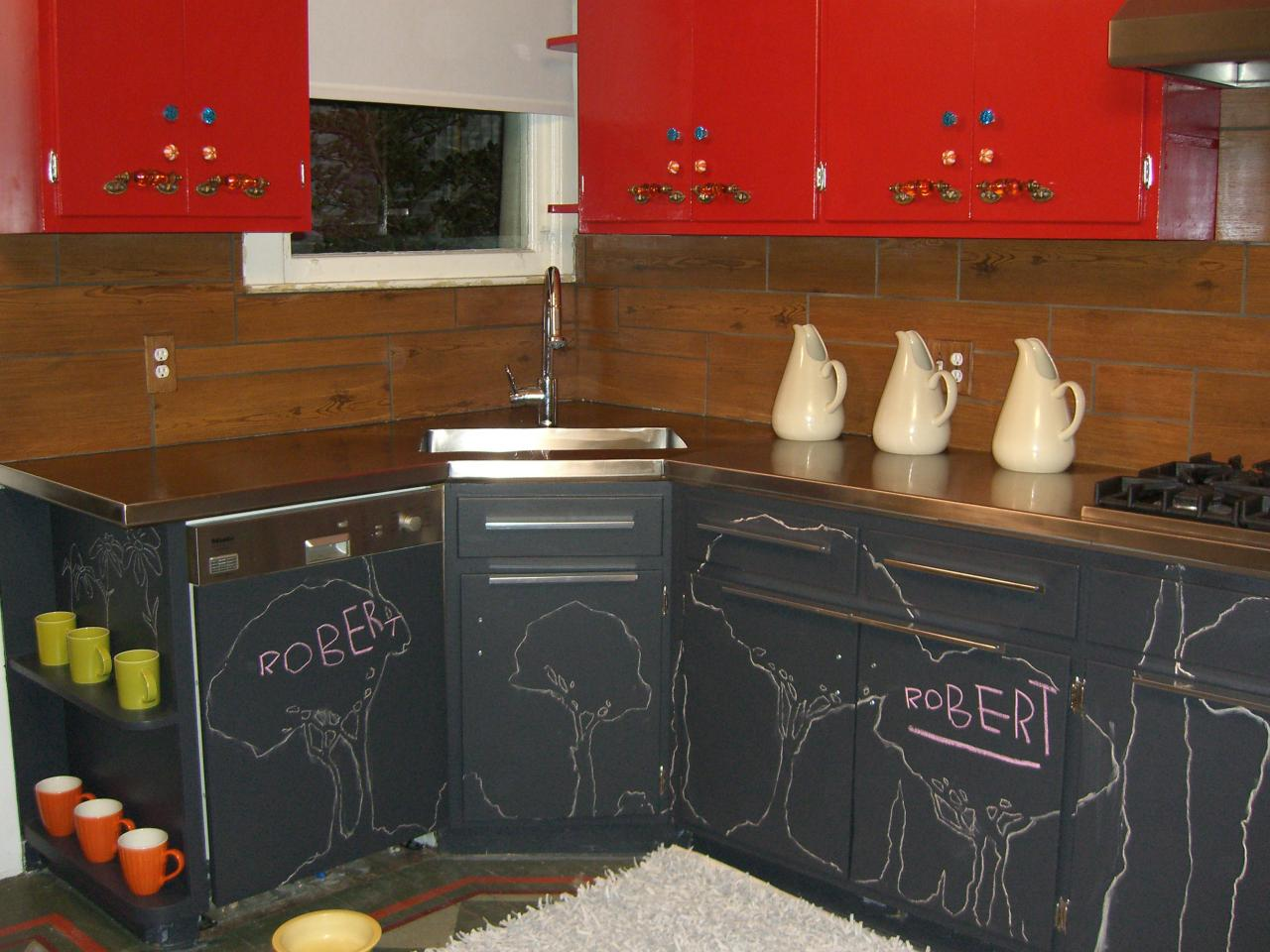 Painting kitchen cabinet doors pictures ideas from hgtv for Black onyx kitchen cabinets