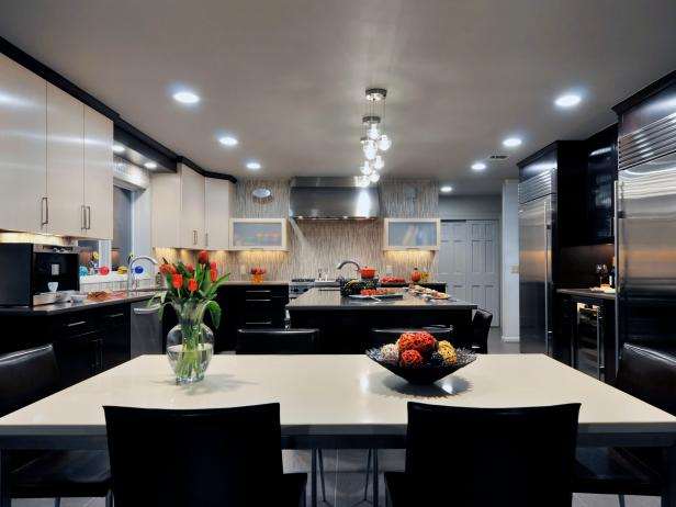 Black & White Eat-in Kitchen With Island & Stainless Steel Appliances