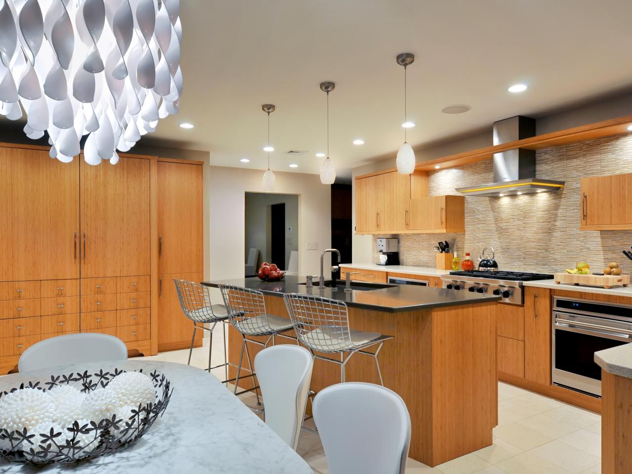 Modern kitchen window treatments hgtv pictures ideas hgtv - Consumers kitchen and bath commack ...