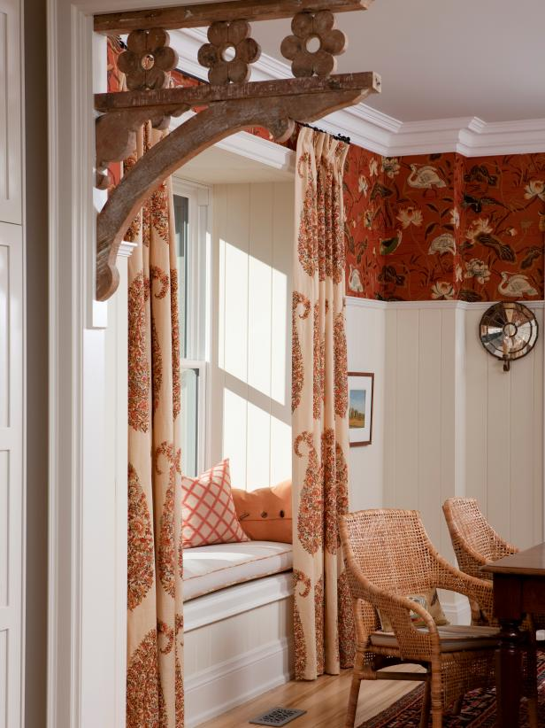 Traditional Dining Room Window Seat With Patterned Curtains