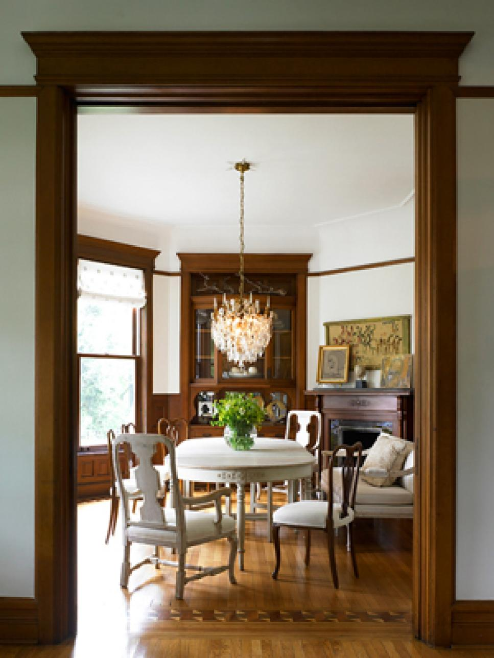6 dining room trends to try hgtv for Dining room design trends