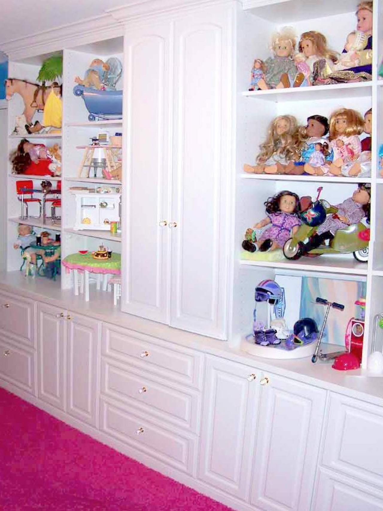 Kids 39 rooms storage solutions hgtv for Storage for kids rooms