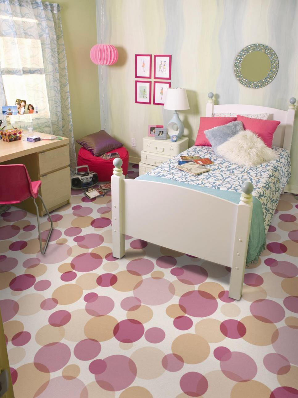 Playful kids 39 rooms designs hgtv for Kids room flooring