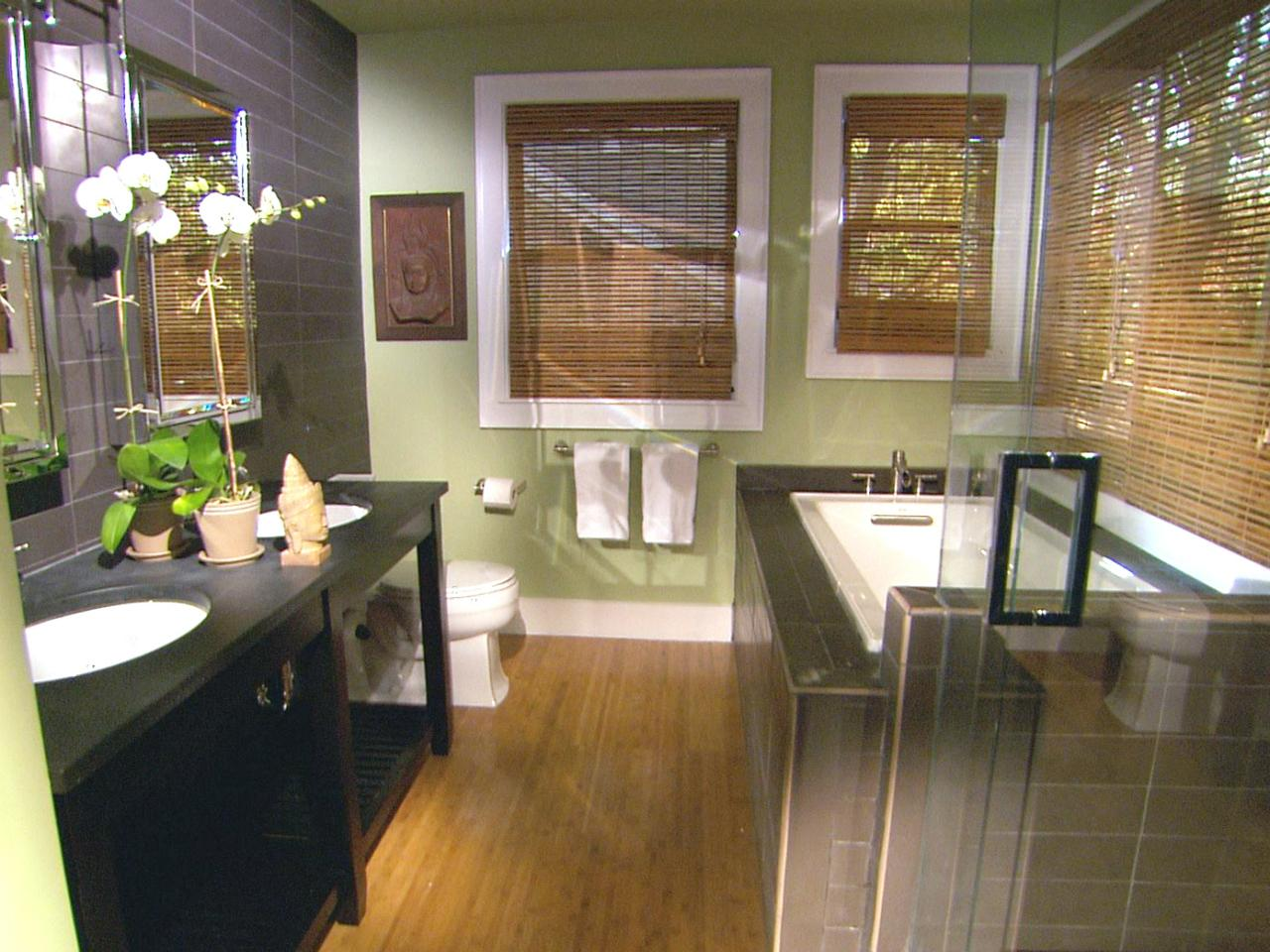 8 bathroom makeovers from fave hgtv designers bathroom for Outside renovation ideas