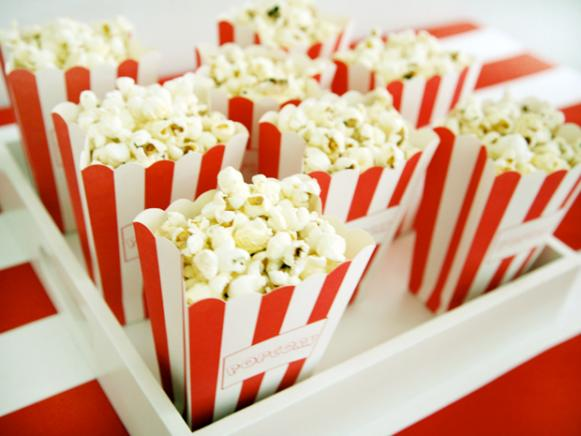 CI-Laura-Fenton_circus-kids-party-popcorn_s4x3