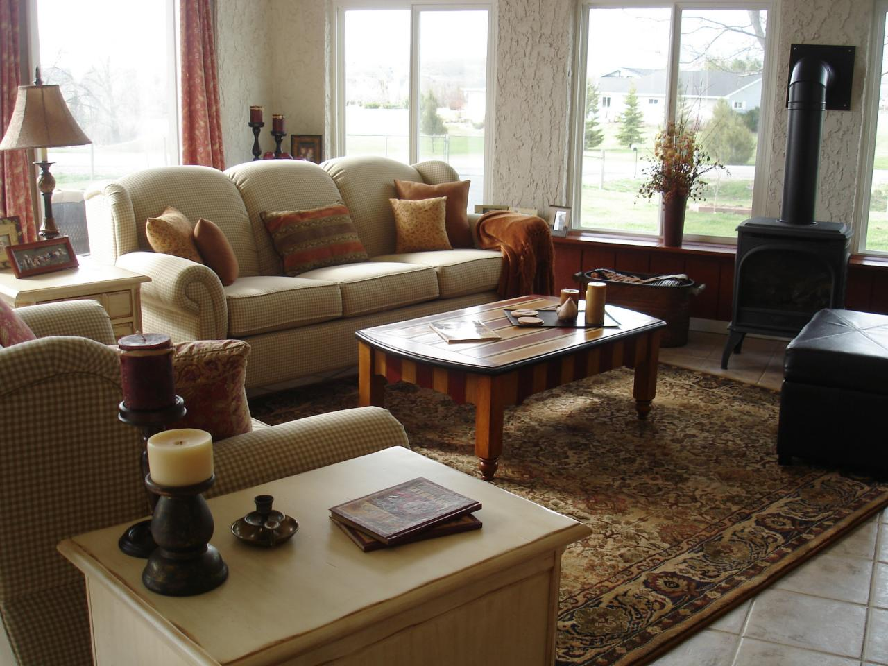 Traditional Sunroom With Rug