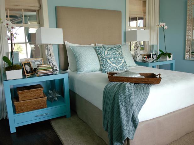 GH09_Master-Bedroom_11_bed-wide_s4x3