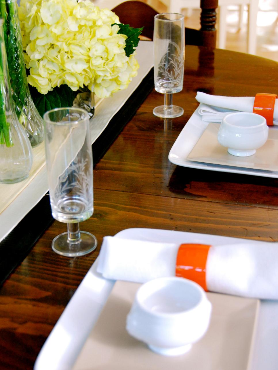 Restaurant table setting ideas - Open Gallery5 Photos