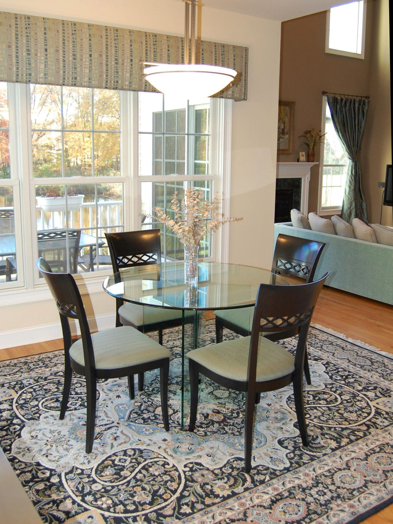 Photo page hgtv for Dining area furniture
