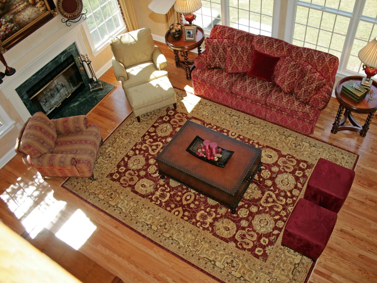 Photo page hgtv for Living room area rugs