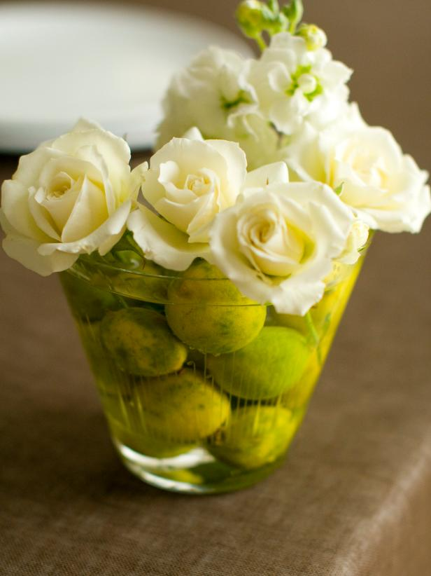 Simple and Chic Flower Arrangement