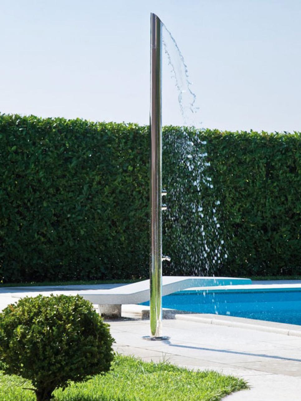 Poolside Showers Hgtv