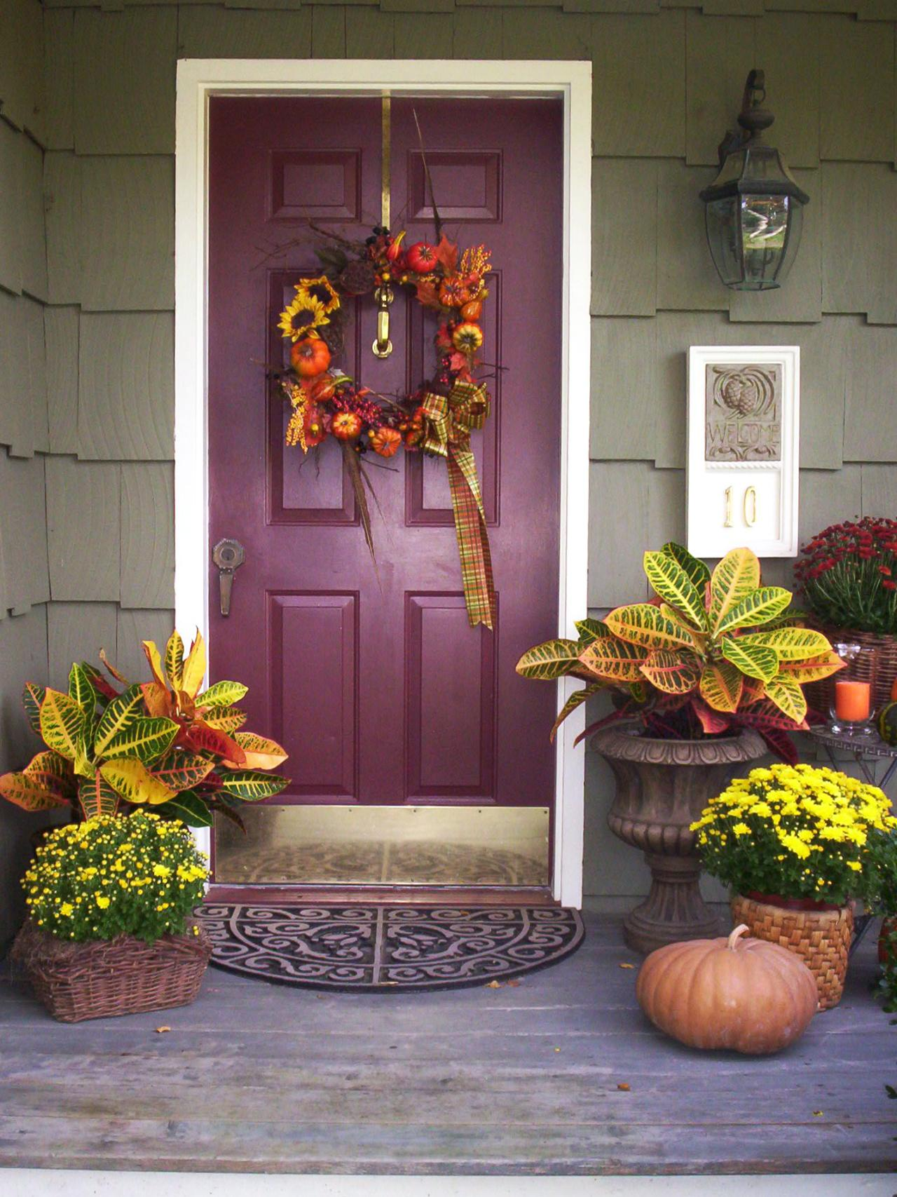 Interior design styles and color schemes for home for Outdoor front porch decor