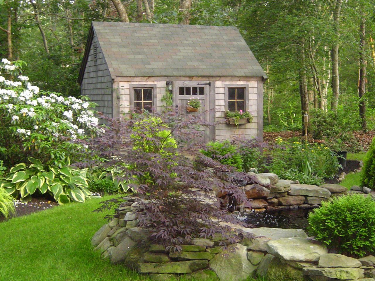 Garden sheds they 39 ve never looked so good landscaping for Yard barn